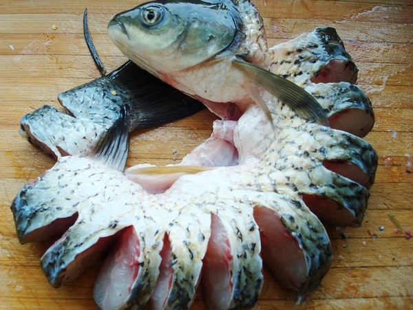 砂锅炖草鱼的做法图解