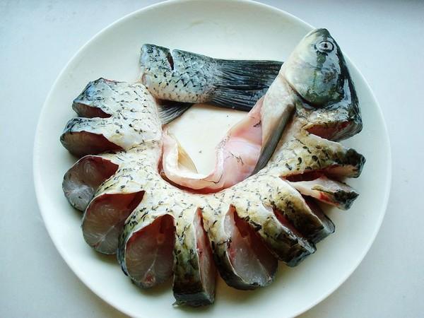 砂锅炖草鱼的家常做法