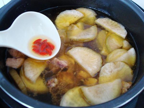 萝卜干香菇炖鸡怎样做