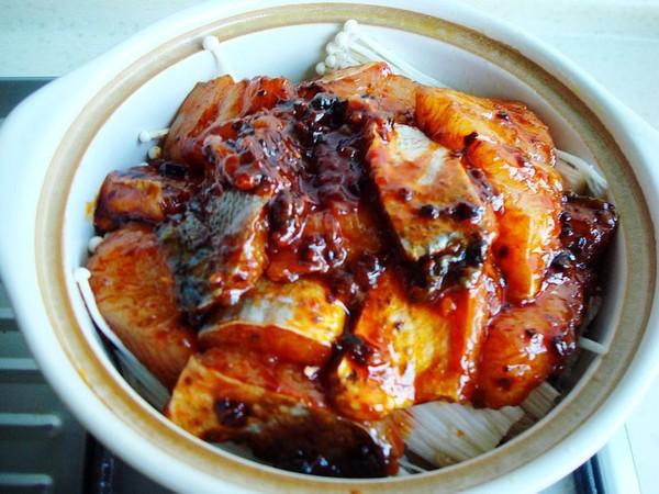 砂锅金针菇焖鱼怎么煮