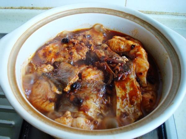 砂锅金针菇焖鱼怎样煸
