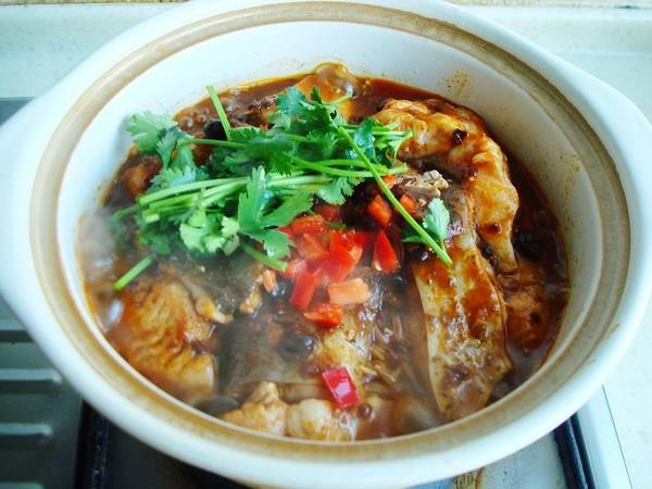 砂锅金针菇焖鱼怎样做