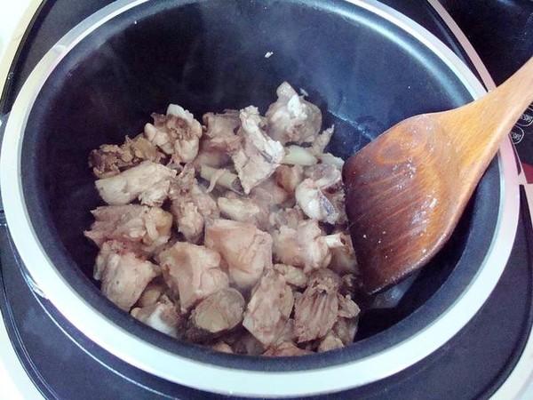 电饭煲莲藕烧鸡怎么做