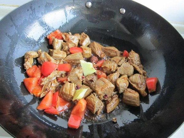 胡萝卜烧牛肉怎么煮