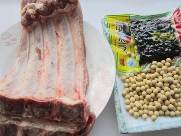 黄豆焖排骨的做法大全