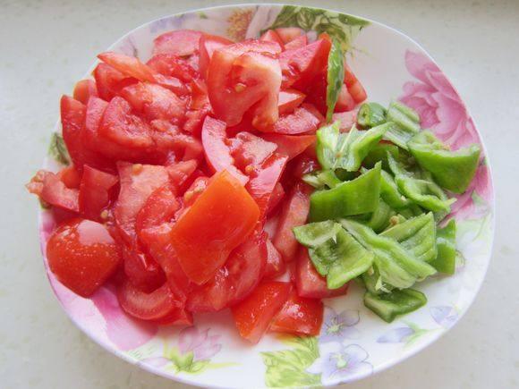 韭菜西红柿鸡蛋面怎么炖