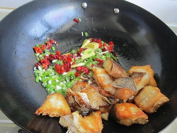 面筋焖鱼怎么炒