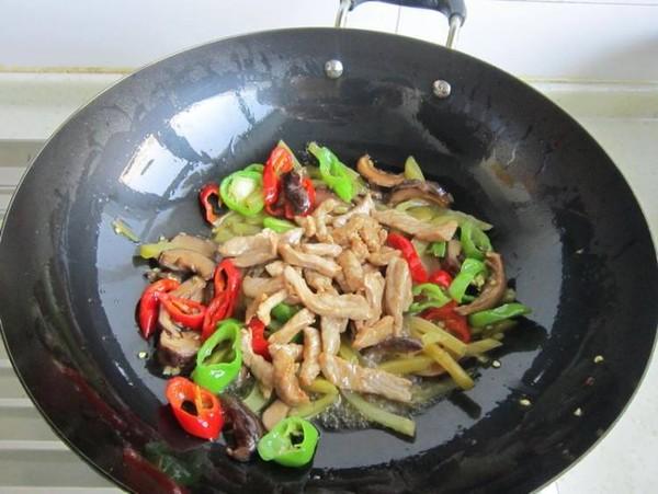 榨菜香菇炒肉怎么煸