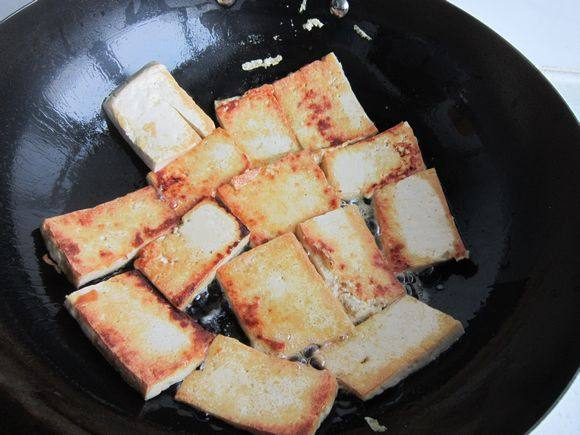 韭菜鸡蛋炒豆腐怎么炒