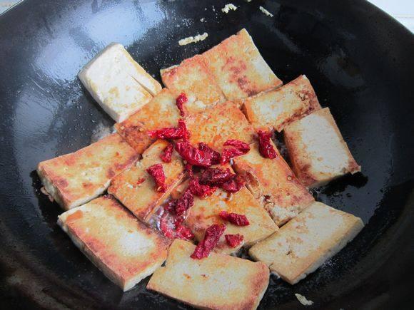 韭菜鸡蛋炒豆腐怎么煮