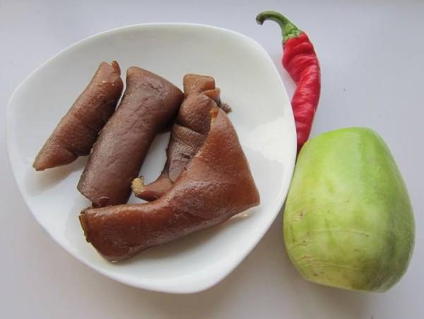 青萝卜炒肉皮的做法大全