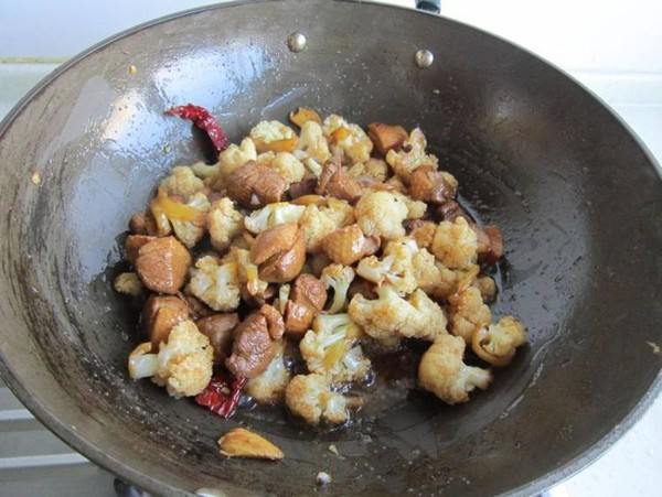 花菜焖鸭肉怎样做
