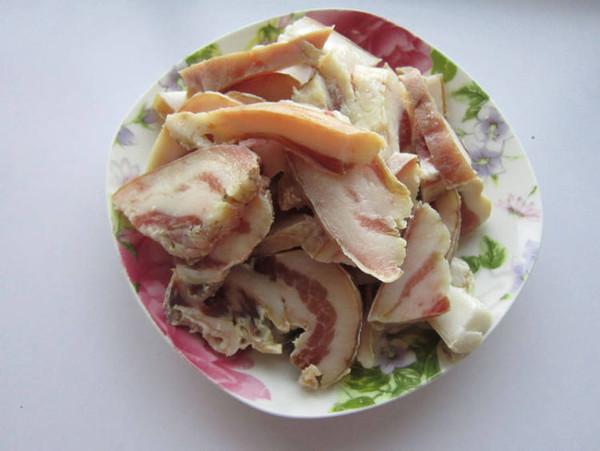 香菇炖腊肉怎么吃