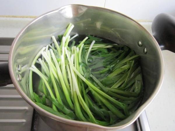 凉拌韭菜的步骤