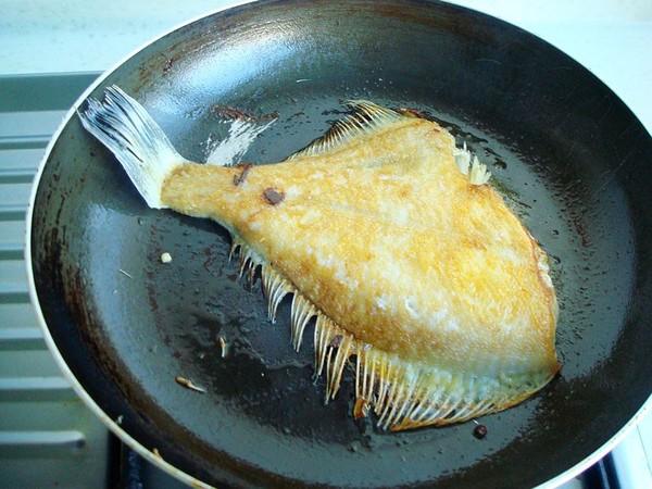 酱烧黄金鲽鱼怎么吃