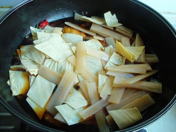 豆油皮宽粉炖鱼怎么炒