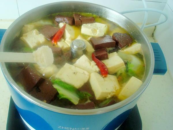 白菜豆腐炖血块怎么炒
