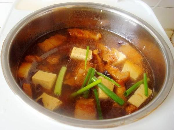 电饭煲豆腐炖肉怎么煸
