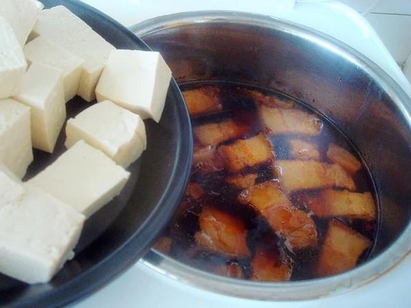 电饭煲豆腐炖肉怎么炖