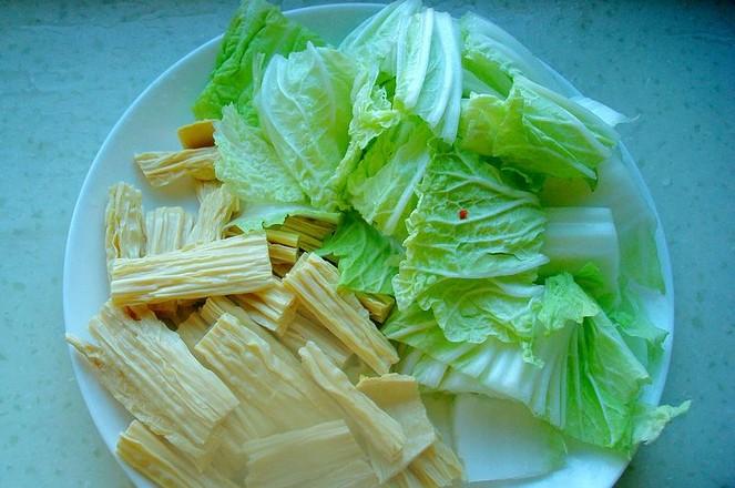 鸡肉白菜炖腐竹的家常做法