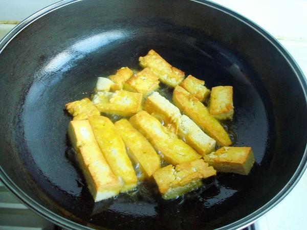 海鲜菇豆腐煲的简单做法