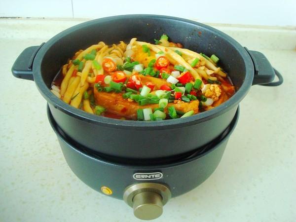 海鲜菇豆腐煲怎样煸
