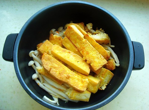 海鲜菇豆腐煲怎么煮