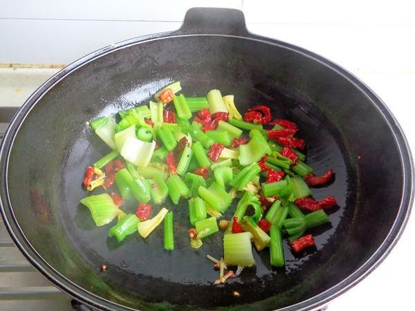 芹菜炒牛肚怎么做