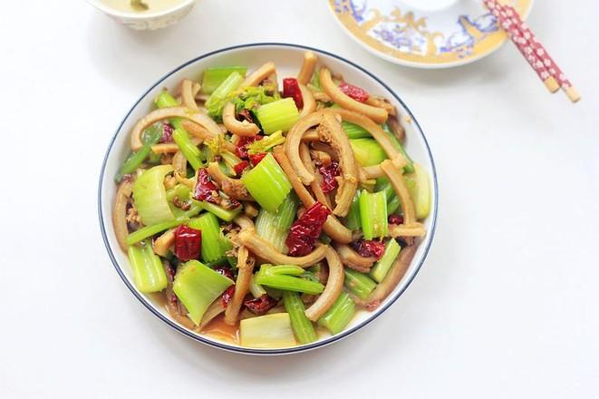 芹菜炒牛肚成品图