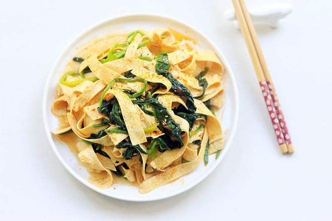 菠菜拌豆油皮成品图