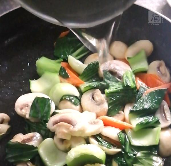 油条另类吃法,又酥又脆、鲜香下饭怎么煮