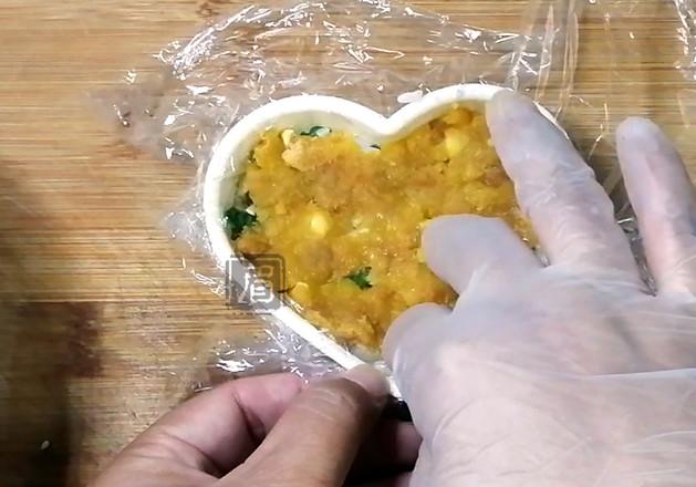 咸蛋黄肉松芝士饭团怎么做