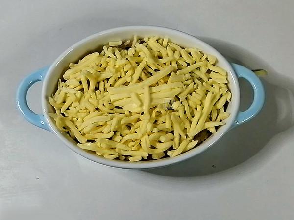 微波炉腊肠奶酪焗饭的步骤