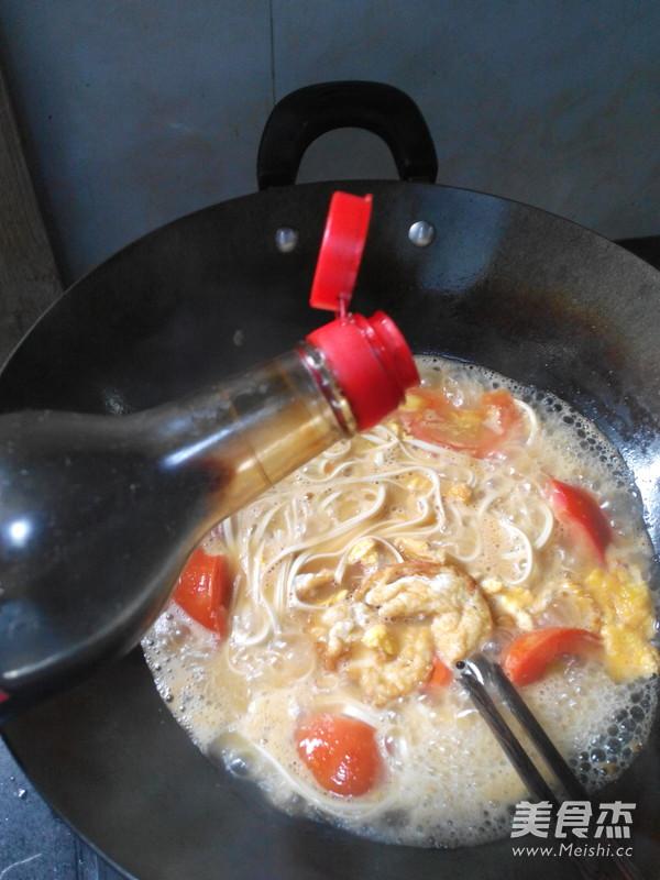 西红柿鸡蛋面怎样炖