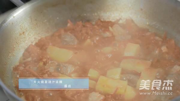西红柿土豆炖牛腩的家常做法