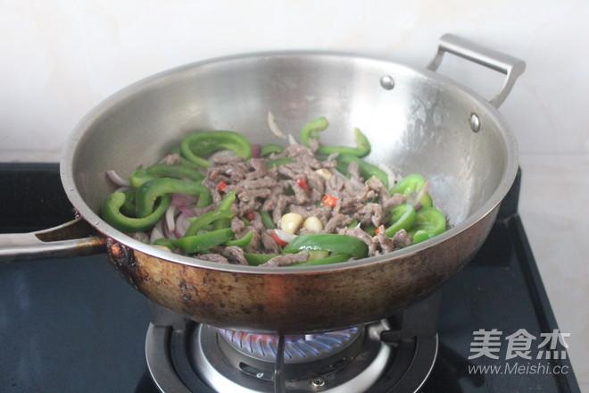 青椒炒牛肉怎么炖