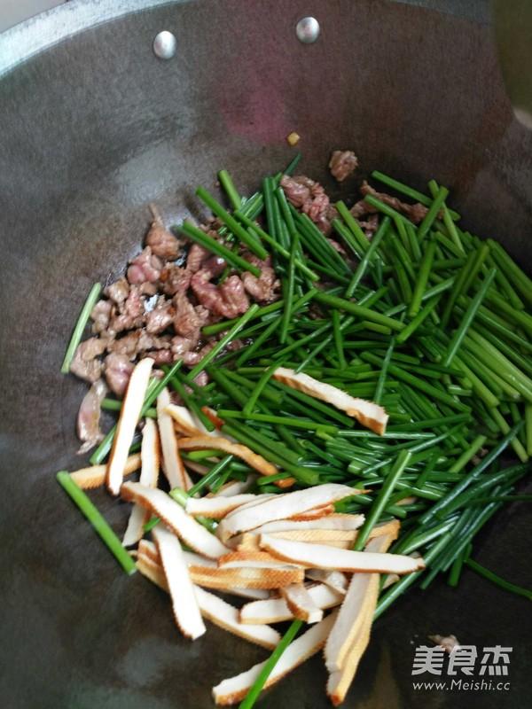 韭菜苔炒牛肉香干怎么吃