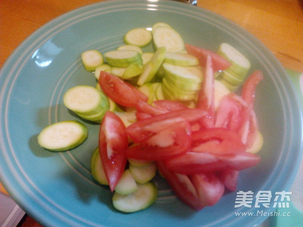 西红柿炒小瓜的家常做法