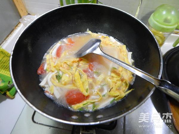 番茄蛋皮豆腐丝汤的制作方法