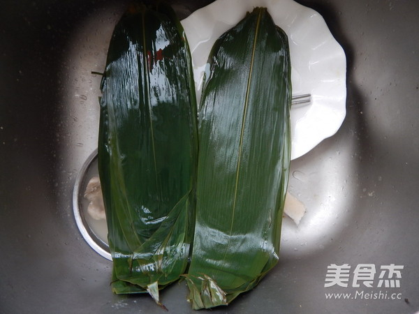 小米红豆粽子怎么吃