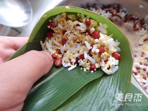 小米红豆粽子怎么煮