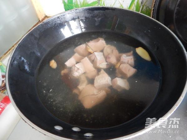 胡萝卜土豆烧牛肉怎么做
