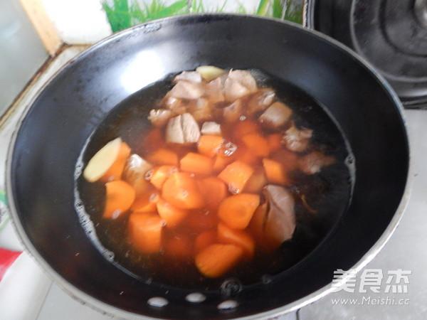 胡萝卜土豆烧牛肉怎么煮