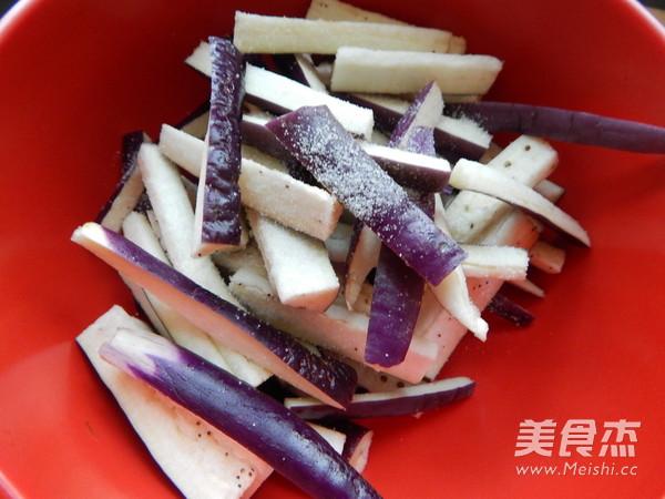 沙茶肉末酱茄条的家常做法