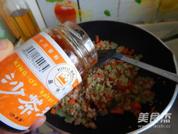沙茶莴笋肉末凉拌米线怎么炖