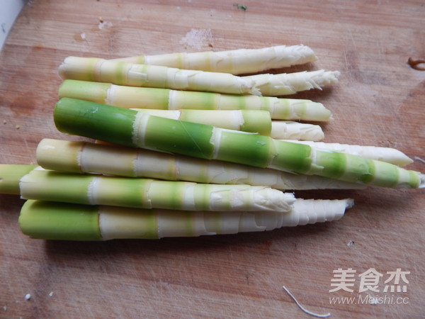 笋尖炖大骨汤的简单做法