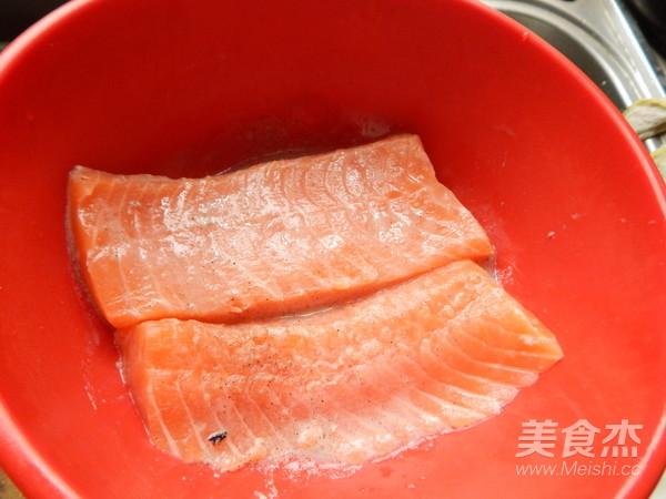 黑胡椒三文鱼怎么吃