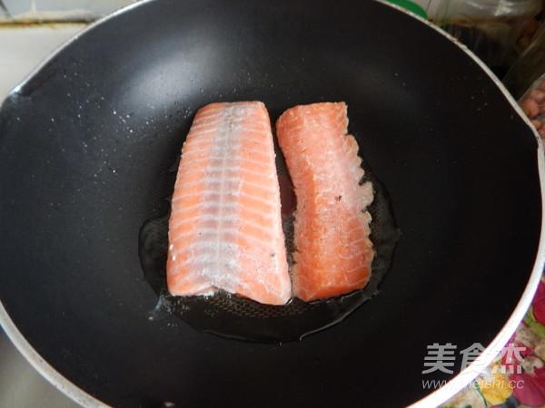 黑胡椒三文鱼怎么煮