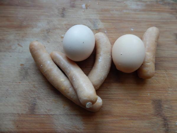 鸡蛋煎香肠的做法图解