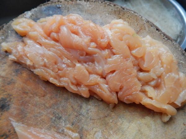 芹菜鸡肉炒米线的做法图解